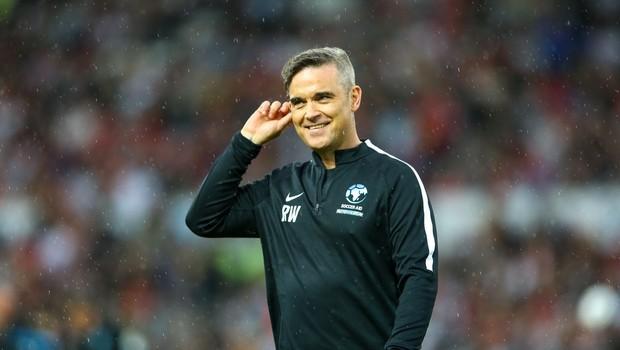 Robbie Williams bo s sopranistko Aido Garifullino pel na otvoritvi svetovnega prvenstva (foto: profimedia)