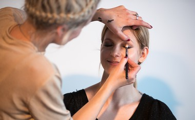 Nasveti o ličenju priznane umetnice ličenja Špele Eme Veble