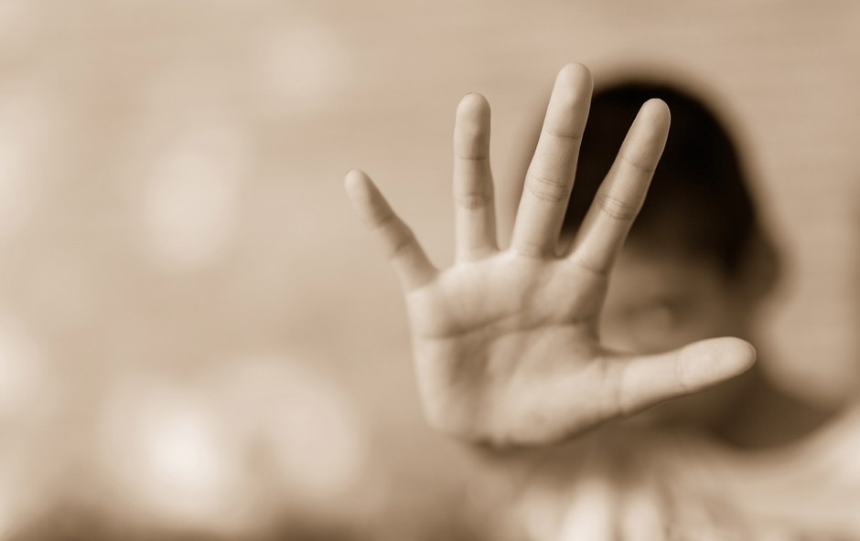 Pretresljivo pismo podpore mladoletni žrtvi skupinskega posilstva na Hrvaškem (foto: Shutterstock)