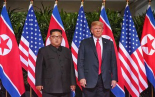 Iz Vietnama izgnali posnemovalca severnokorejskega samodržca Kim Jong-una