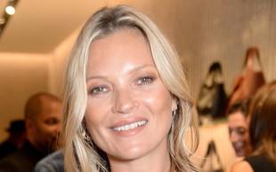 Kate Moss pokazala dolge noge in doživela negativne kritike