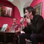 FOTO: S Šaleharjem na predstavitvi njegove knjige v Klubu Daktari! (foto: Goran Antley)