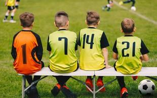 Nogomet povzroča noge na O in kasnejše težave s koleni, kaže študija!