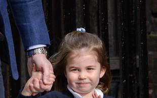 Mala princesa Charlotte s to prikupno gesto vse navdušila