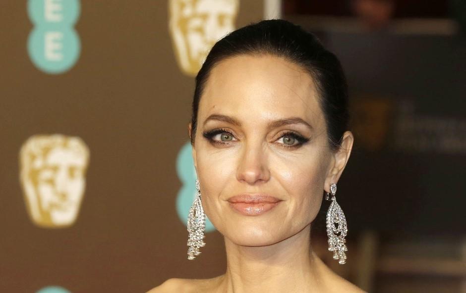 Angelina Jolie postala blondinka! (foto: Profimedia)