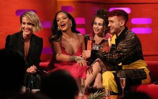 Rihanna je bila tekom oddaje v živo povsem brez dlake na jeziku