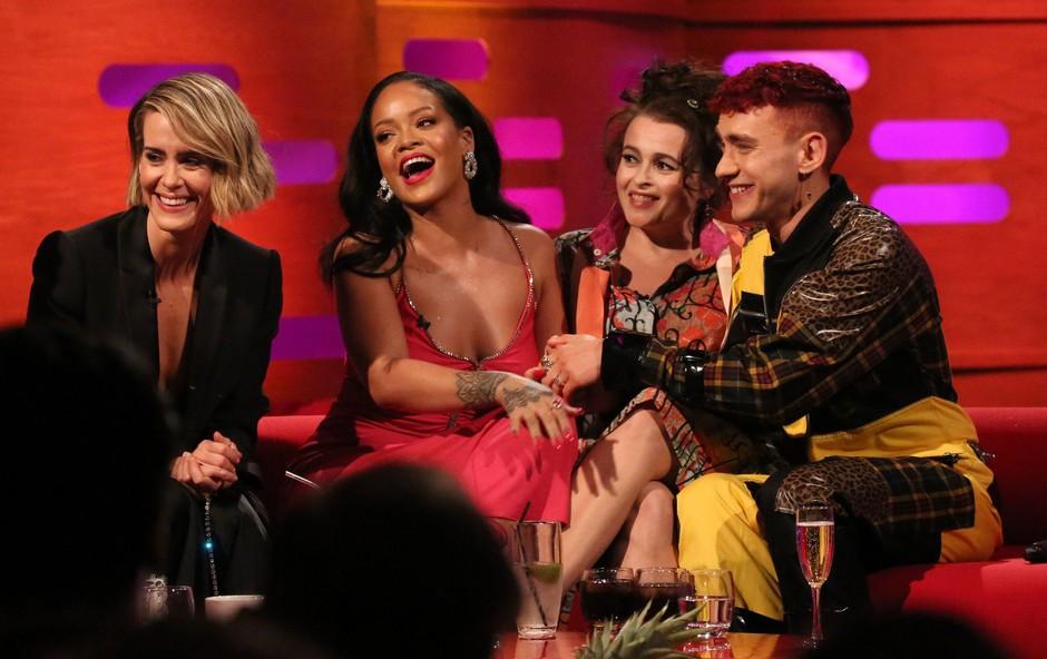 Rihanna je bila tekom oddaje v živo povsem brez dlake na jeziku (foto: Profimedia)