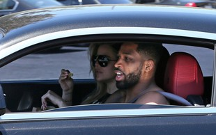 Khloe Kardashian zasačena v restavraciji s hitro hrano