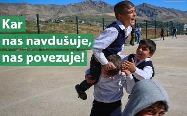 UNICEF-ov ambasador Sergio Ramos presenetil otroke na igrišču