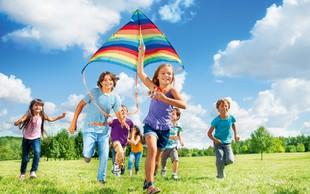 Kje bo otrok med počitnicami? Povprašali smo starše!