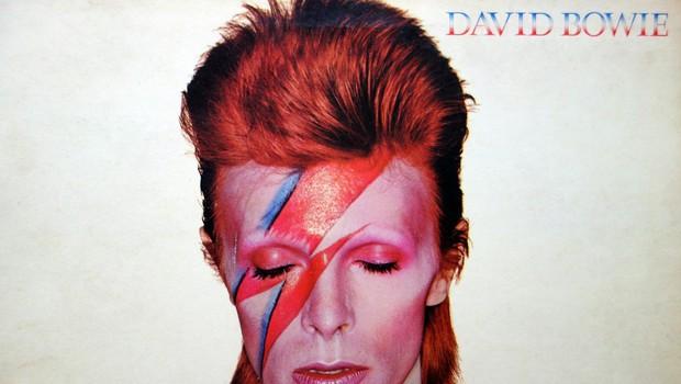 Kultna fotografija Davida Bowieja odslej v muzeju Victoria in Albert (foto: profimedia)