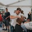 50 slovenskih frizerjev v akciji Odreži drugačnost za otroke zbralo več kot 5 tisoč evrov