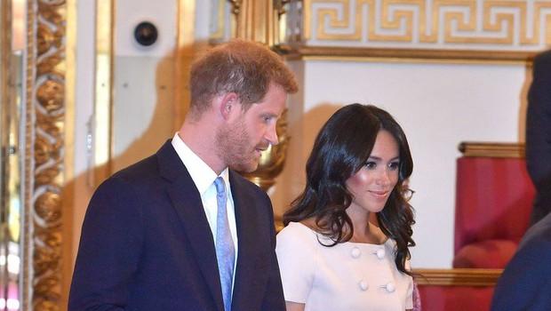 Meghan Markle želela Harryja prijeti za roke, a ji ni želel dati roke! (foto: Profimedia)
