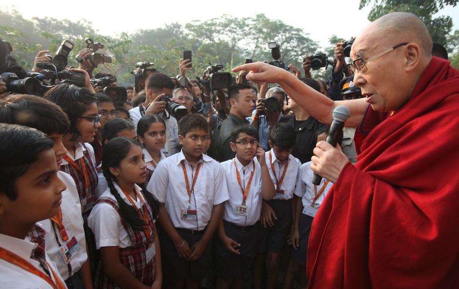 V državnih šolah v New Delhiju s poukom o sreči po nauku dalajlame (foto: profimedia)