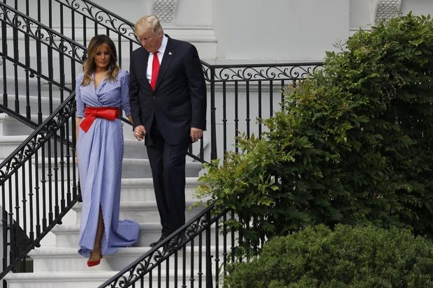 """Modni kritiki: """"Melania Trump je bila oblečena v namizni prt."""" (foto: Profimedia)"""