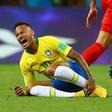 Neymarjeva similuranja poškodb vzpodbudila domišljijo ljubiteljev nogometa