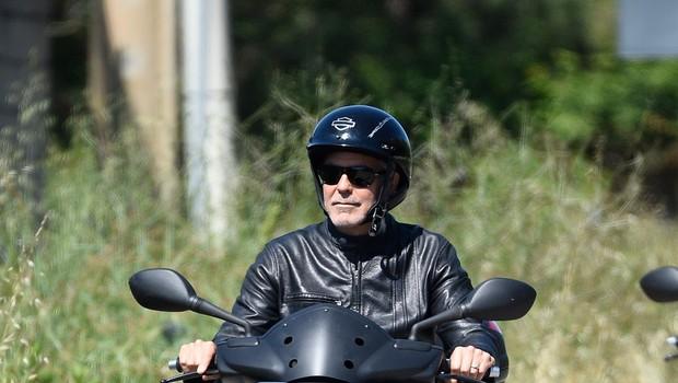 George Clooney doživel prometno nesrečo na Sardiniji (foto: Profimedia)