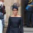 """Meghan Markle tokrat nosila črno """"poročno"""" obleko"""