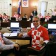 Hrvaški ministri na vladni seji v dresih hrvaške reprezentance