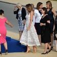 Melania Trump v prozorni obleki osupnila v Bruslju