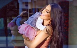 Štiriletna hčerkica Iris Mulej je izrezana kopija svoje mamice, mala očarljivka bo osvojila številna srca
