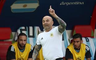 Argentinski selektor Jorge Sampaoli se kesa in opravičuje za nespodobno obnašanje