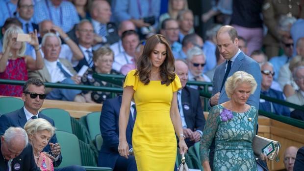 Kate Middleton z rumeno obleko izzivala Meghan Markle (foto: Profimedia)