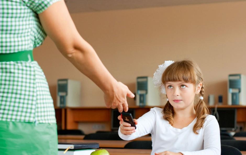 Mobiteli v šolah - zgodbe iz prakse (foto: shutterstock)