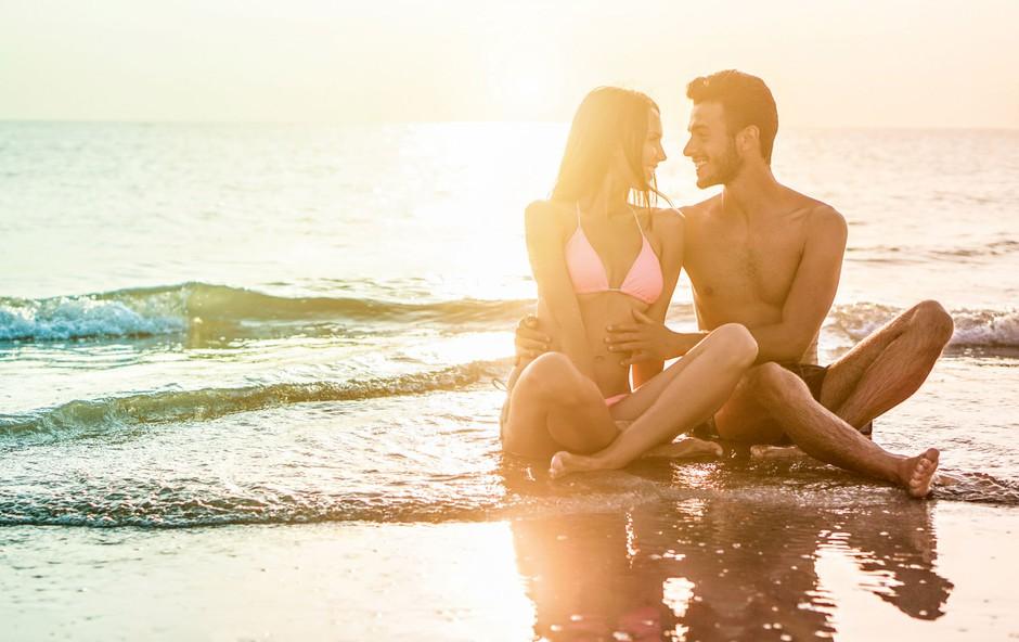 Psihoterapevtka Mojca Stonič o poletnih romancah (foto: shutterstock)