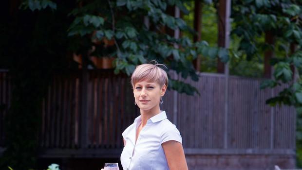 """Eva Kelih: """"Le kdo si ne želi preživeti noči v simpatični hišici na drevesu?"""" (foto: Helena Kermelj)"""