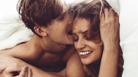 5 načinov za noro dober seks med menstruacijo