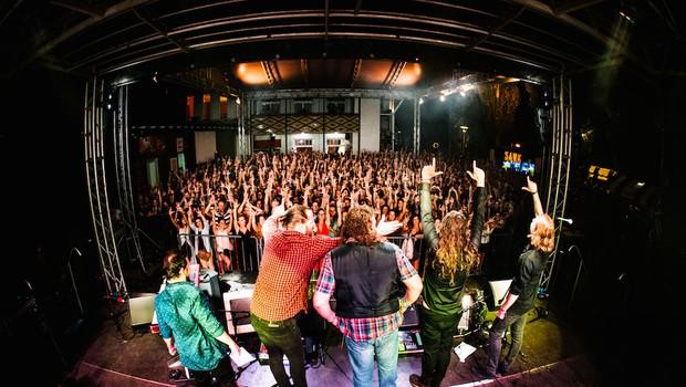 Hamo & Tribute 2 Love poskrbeli za epsko otvoritev Trnfesta! (foto: Tribute 2 Love Press)