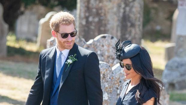 Princ Harry na poroko prišel z veliko luknjo na podplatu čevljev (foto: Profimedia)