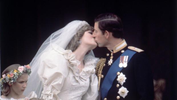 Princa Charlesa je močno razjedalo ljubosumje, ker je bila Diana tako zelo priljubljena pri ljudeh (foto: Profimedia)