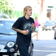 Justinu Bieberju je očitno boljše: Paparaci so ga ujeli na sprehodu z ljubljenčkoma!