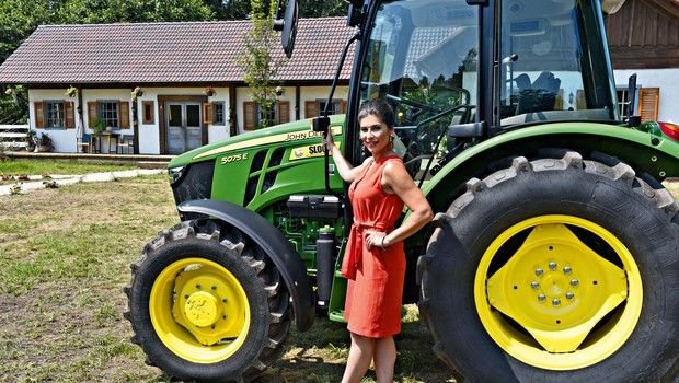 """Nataliji Bratkovič je kmetija zlezla pod kožo: """"Starša sta moja največja kritika"""" (foto: Igor Zaplatil)"""