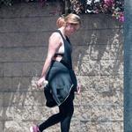 Paparaci igralko Mischa Barton ujeli povsem brez ličil (foto: Profimedia)