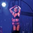 Britney Spears  v super formi - na odru se odlično znajde
