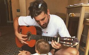 Luka Šulić na sina uspešno prenaša ljubezen do glasbe