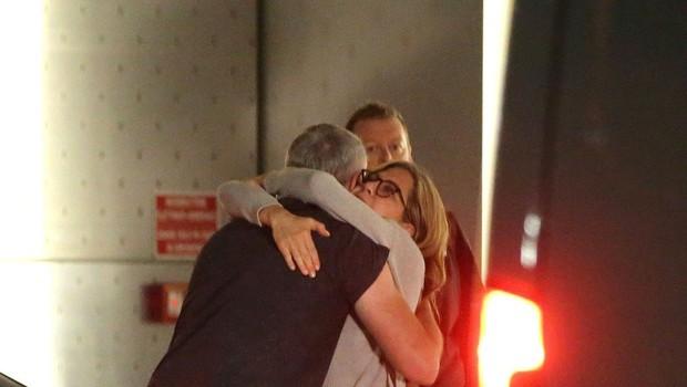 Jennifer Aniston zasačena v objemu postavnega neznanca (foto: Profimedia)