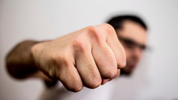 7 vrst nesprejemljivega obnašanja, ob katerem ne smete zamižati (foto: profimedia)