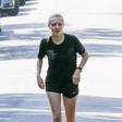 Amanda Seyfried bosa hodila po ulicah Los Angelesa