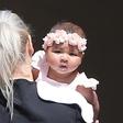 Komaj šestmesečna hčerka Khloe Kardashian že obiskuje ure baleta