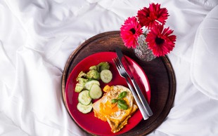 Raziskava o zdravem prehranjevanju: Zajtrkuje več žensk kot moških