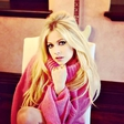 Avril Lavigne se vrača po petih letih