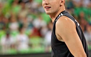 Luka Dončić je obdaril košarkarskega kolega