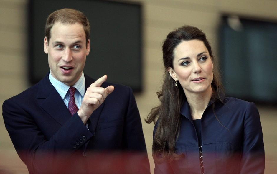 Princ William je leta 2007 s Kate Middleton razmerje končal kar preko telefona (foto: Profimedia)