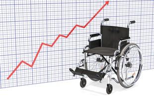 Končno PREBOJ pri zdravljenju poškodb hrbtenice: Paralizirani Američan shodil!