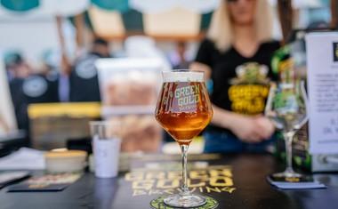 Rekordnih 170 vrst piva na jesenskem Pivo & Burger Festu