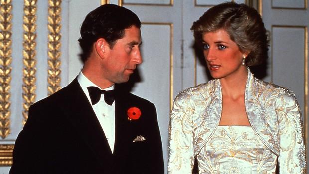Princesa Diana tudi štiri leta po ločitvi še vedno nosila zaročni prstan (foto: Profimedia)